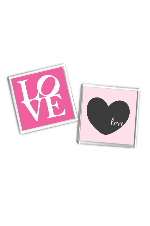 Set of 8 square magnets Love