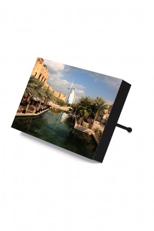 Frame to go Madinat Jumeirah - Dubai - UAE By Emmanuel Catteau