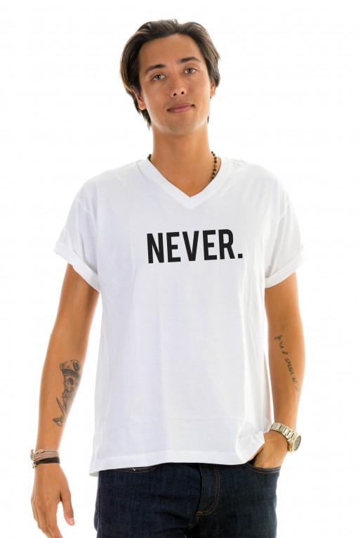 T-shirt v-neck NEVER.