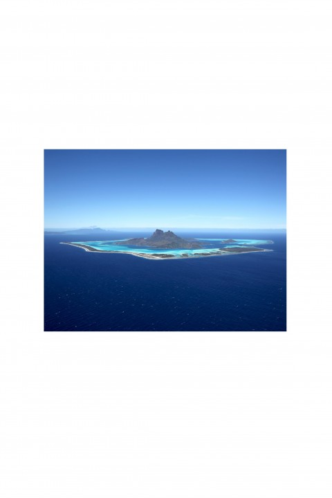 Poster Aerial View of Bora Bora - French Polynesia By Emmanuel Catteau