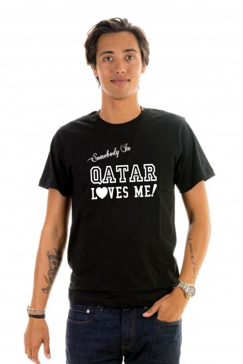 T-shirt Qatar Loves Me!